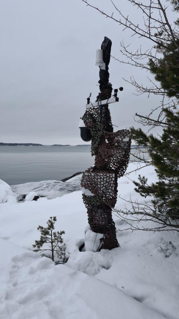 Saariston sensoritestiasema talvella.